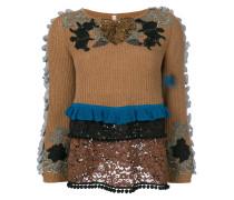 Bestickter Pullover mit gerüschten Details