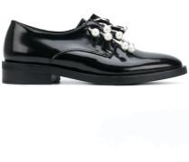 Oxford-Schuhe mit Piercing-Applikationen