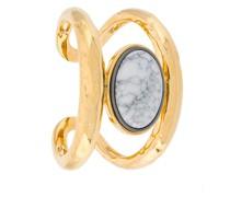 Armspange mit marmoriertem Stein