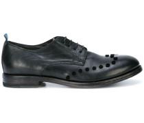Verzierte Oxford-Schuhe mit Schnürung