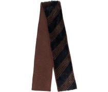 Schal mit diagonalen Streifen