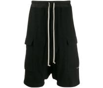 Shorts mit tiefem Schnitt