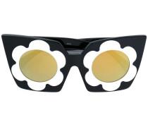 Sonnenbrille mit Margeritenverzierungen