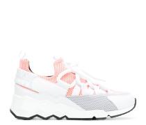 Sneakers in Netzoptik