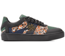 Sneakers mit Camouflage-Details