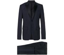 Anzug mit klassischem Schnitt