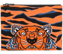 Clutch mit Tigerstickerei