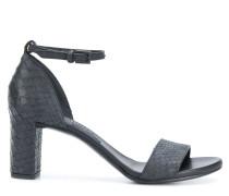 10509 sandals