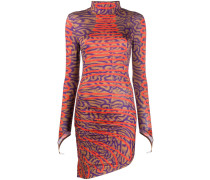 Enges Kleid
