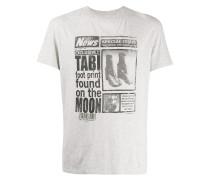 T-Shirt mit Zeitschrift-Print