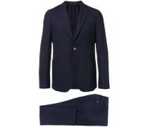 Anzug mit Taschen