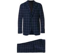grid print suit