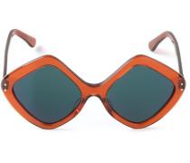 Sonnenbrille mit rautenförmigen Gläsern