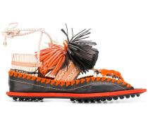 Sandalen mit Troddeln