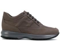 Sneakers zum Schnüren
