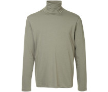 fitted turtleneck pullover