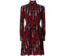 Kleid mit Lippenstift-Print