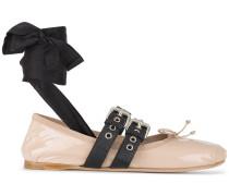 Ballerinas mit Schnallenverschluss