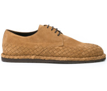 Schuhe mit Intrecciato-Muster