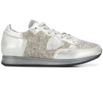 Sneakers mit gestrickten Einsätzen