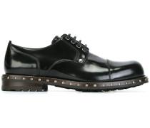 Derby-Schuhe mit Nieten