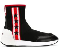 Sneakers mit Sternmotiven