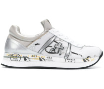 Sneakers mit Stickerei