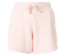 Shorts mit seitlichem Streifen