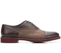 Oxford-Schuhe mit kariertem Einsatz