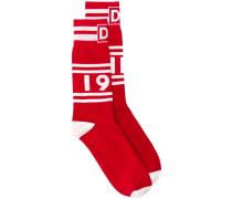 Socken mit Schriftzug