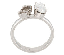 Kristallverzierter Ring