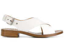 Sandalen mit überkreuzten Sandalen