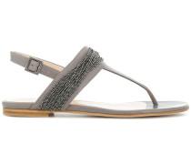 Sandalen mit Kugelketten-Applikationen