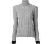 Pullover mit betonten Schultern