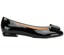 bow front ballerina pumps