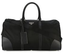 Reisetasche mit Vorhängeschloss