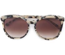 Sonnenbrille mit Kettendetail