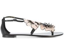 Sandalen mit floralen Verzierungen