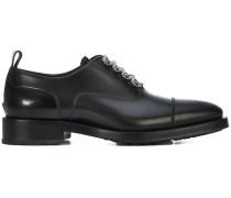 Oxford-Schuhe mit Kontrastschnürung