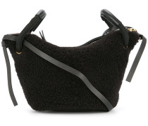 Schultertasche mit Faux Shearling