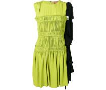 Kurzes Kleid mit Raffung