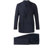 Doppelreihiger Anzug mit Karomuster