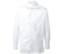 Hemd mit Schleifenkragen