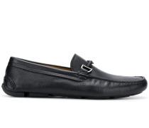 Loafer mit Logo-Anhänger
