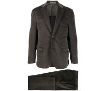 Gerippter Anzug
