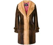 Mantel aus Pelz