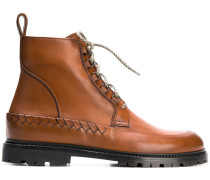 Stiefel mit Intrecciato-Muster