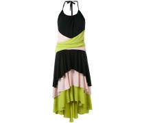 Gestuftes Neckholder-Kleid