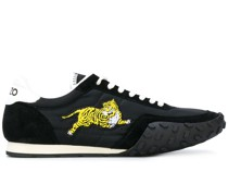 ' Move' Sneakers