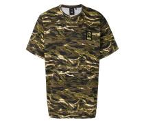 x XO Graphic T-Shirt